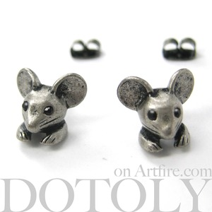Miniature Mouse Animal Stud Earrings in Silver