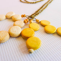 Mustard and Off-white Round Wood Beads Brass Necklace