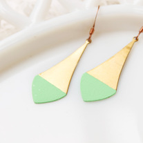 Mint Pointed Color Dipped Brass Earrings