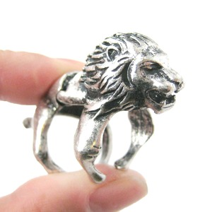 Detailed Lion Shaped Animal Armor Joint Knuckle Ring in Silver | Sizes 5 to 9