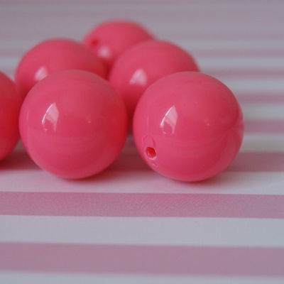 20mm bubblegum bright pink solid chunky beads
