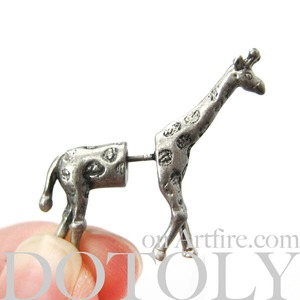 3D Fake Gauge Realistic Giraffe Animal Stud Earrings in Silver