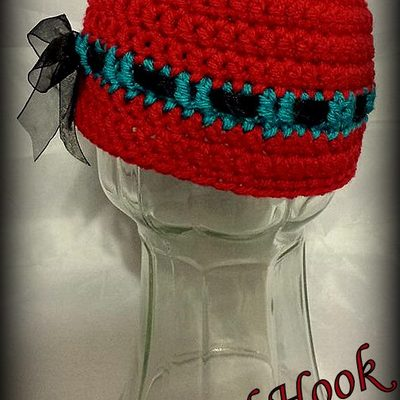 Red & teal beanie w/ cute bow