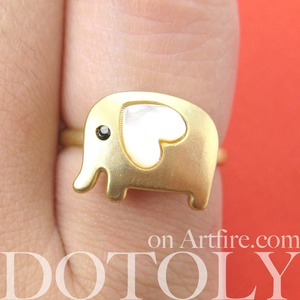 Adjustable Cute Elephant Ring in Gold with Pearl Heart Shaped Ears