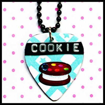 Lick your pick ice cream cookie diy necklace