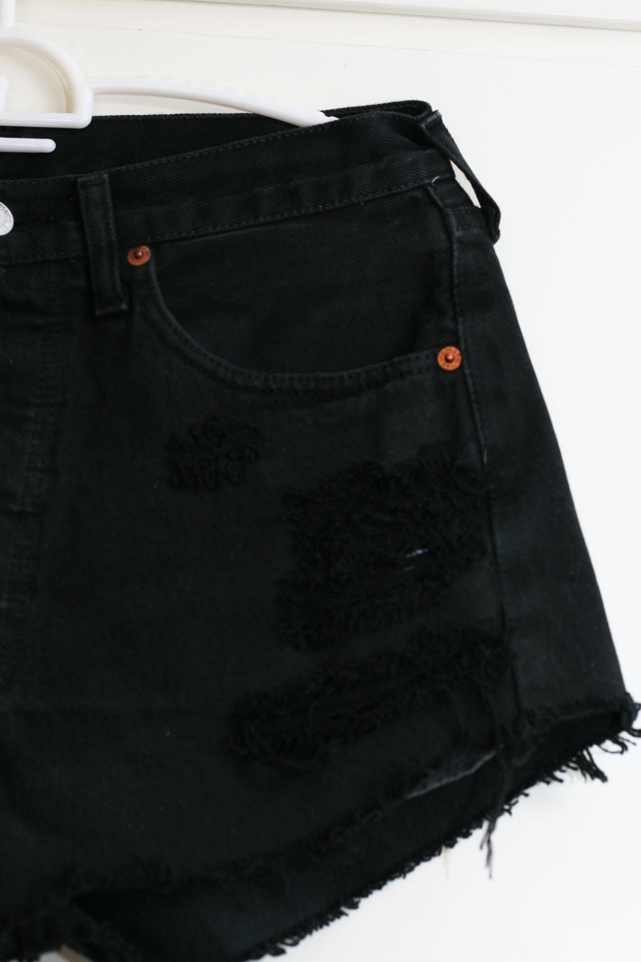 black levi shorts womens