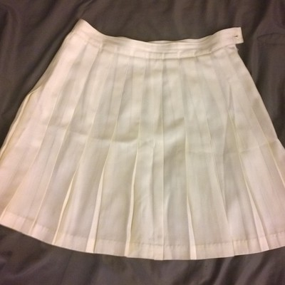 Sold m/l off white pleated tennis skirt