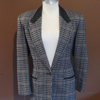 Houndstooth Blazer with Leather Collar Size 6