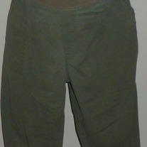 Green Roll Up Capris-Announcements Maternity Size Large  CLSR