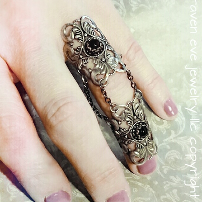 The raven armor ring