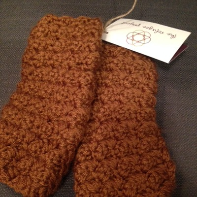 Rust fingerless gloves