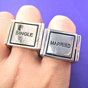 Funny Married or Single Flip Ring in Shiny Gold - Size 6 and 9 ONLY