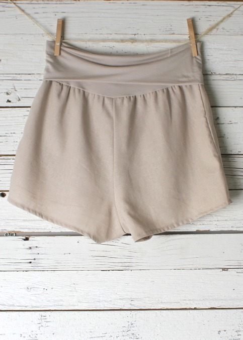 Eleanor Khaki Shorts