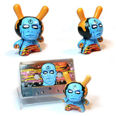 Doctor manhattan custom set kidrobot dunny & original painted cassette