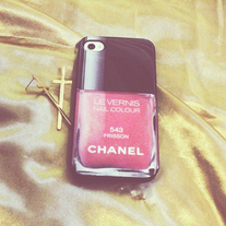 Chanel Nail Polish Design iPhone 4/4s Hard Rubber Case