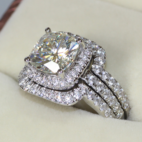 4CTTW 3CT Center Cushion Cut NSCD Simulated Diamond Engagement