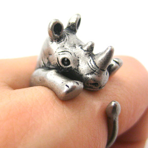 3D Rhinoceros Rhino Animal Hug Wrap Ring in Silver - Sizes 5 to 10