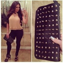 Spike and Stud Clutch (black)