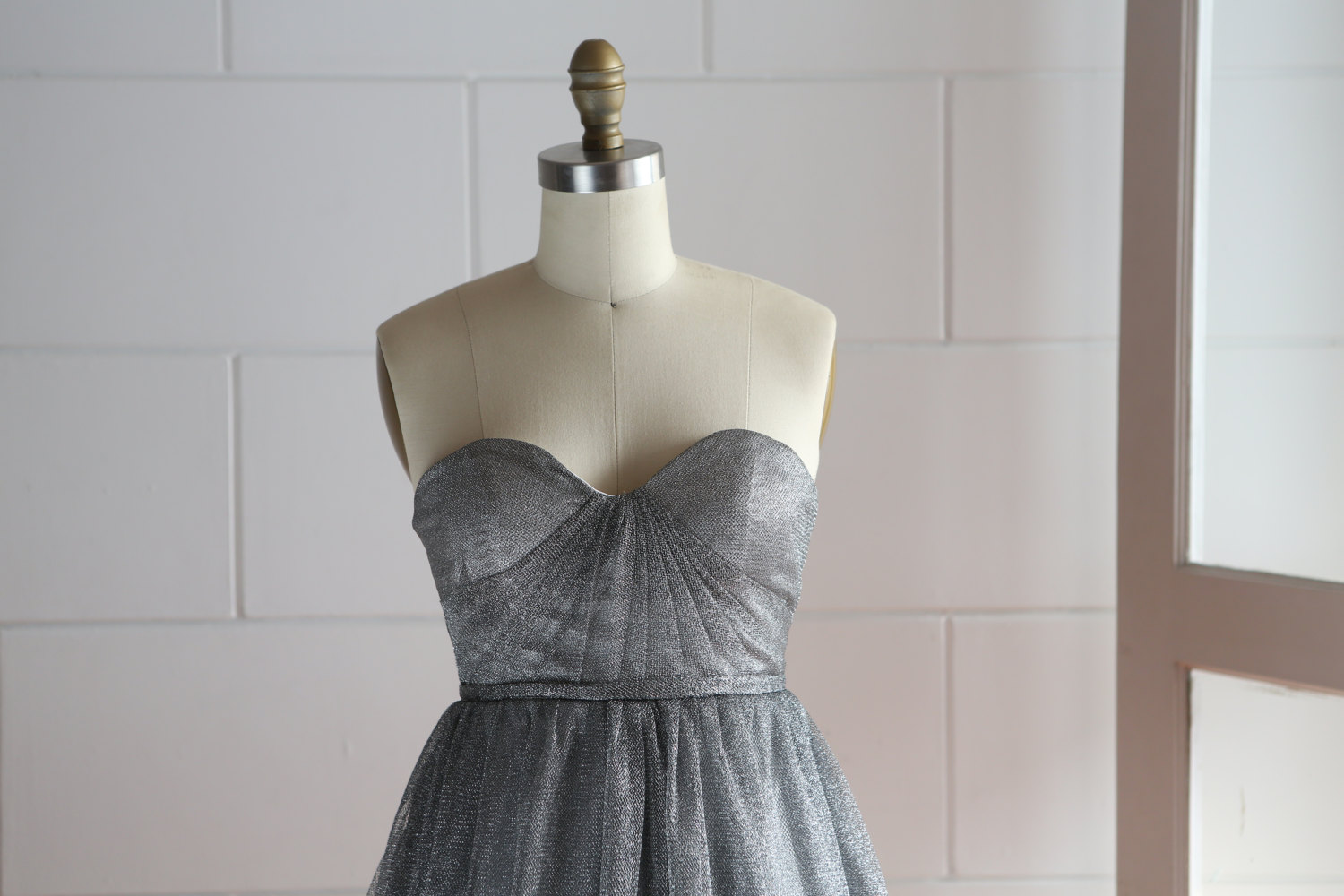 Gray Glittering Tulle Knee Length Prom Dress Party Dress