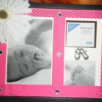 Hot pink-polka dot daisy and gem photo frame