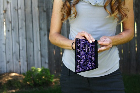 Velvet clutch with violet Karakalpak embroidery