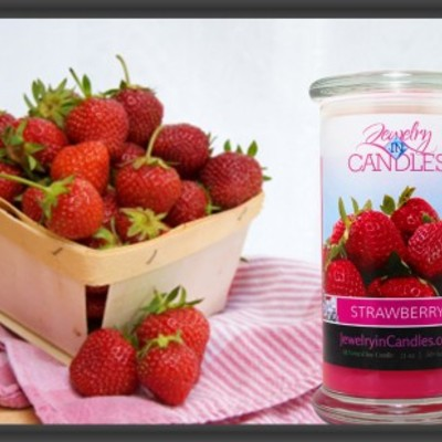 Strawberry jewelry candle