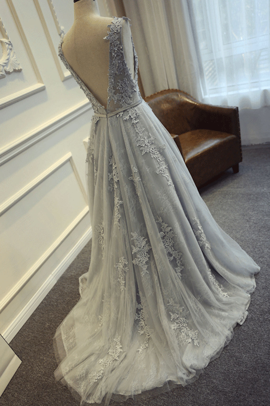 Sweetheart girl custom made round neck tulle lace long for Gray dresses for a wedding