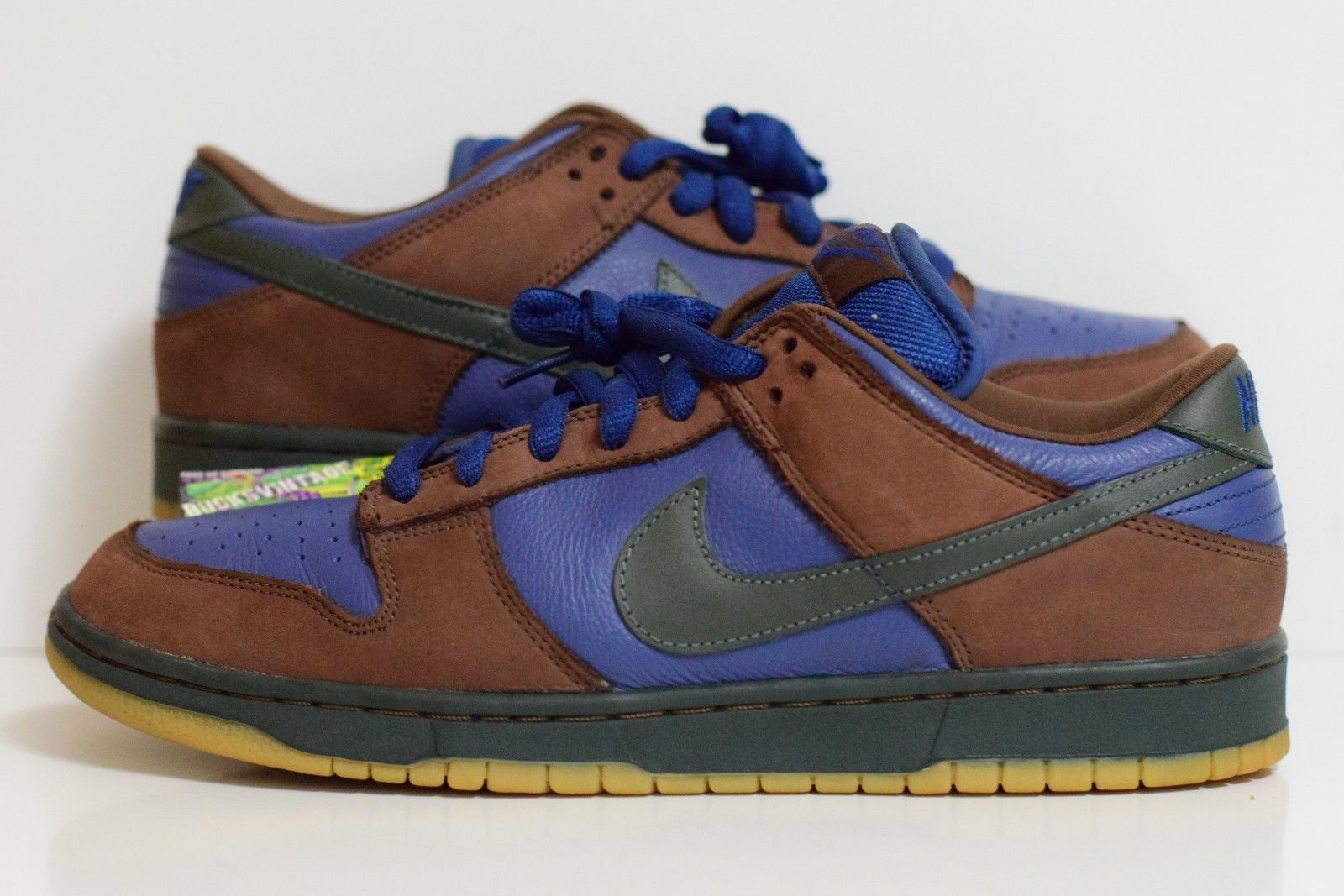 Nike Dunk SB Low Barf Sneakers (Navy/Outdoor Green/Light Chocolate)