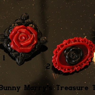 Cameo rose brooches - dark