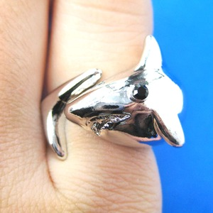 Shark Animal Wrap Ring in Shiny Silver in Sizes 5 to 7