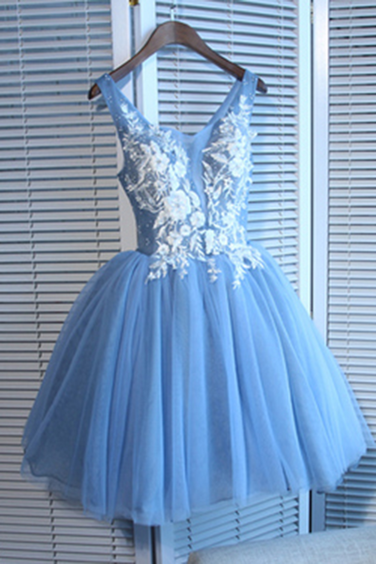 Blue tulle 3D flower short V neck prom dress, mini halter party ...