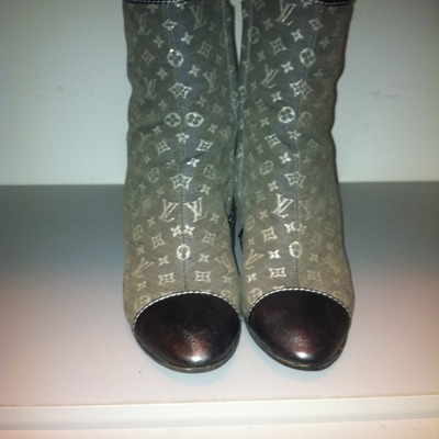Louis vuitton ankle boot silver 37.5 (us 7.5)