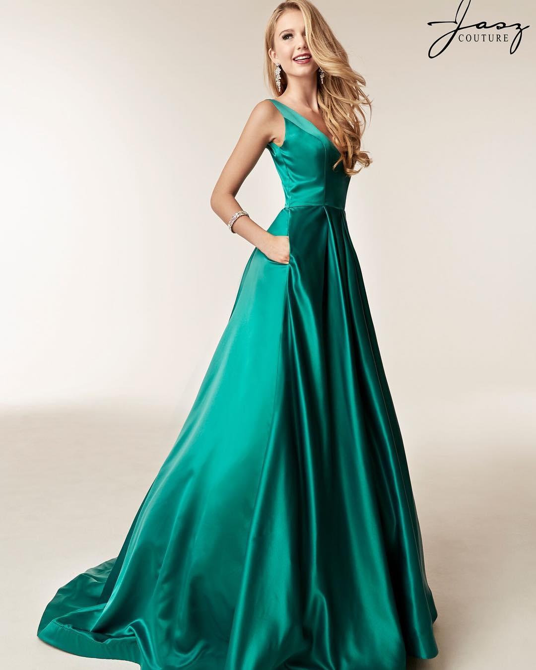 Princess V Neck Green Long Prom Dress with Pockets · modsele ...