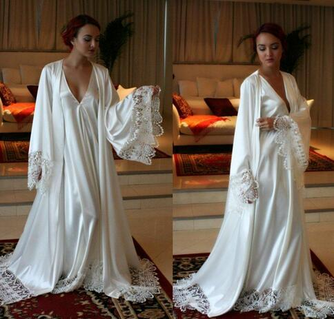 Chic Long Sleeves Cheap Bridesmaid And Bride Robes Custom Made Silk Like Satin Bathrobe Wedding Party