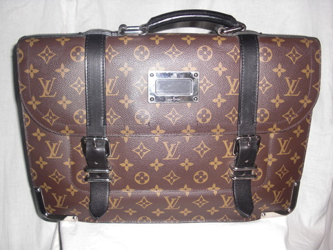 Louis Vuitton LV 100% AUTH Men's Briefcase Larry Monogram