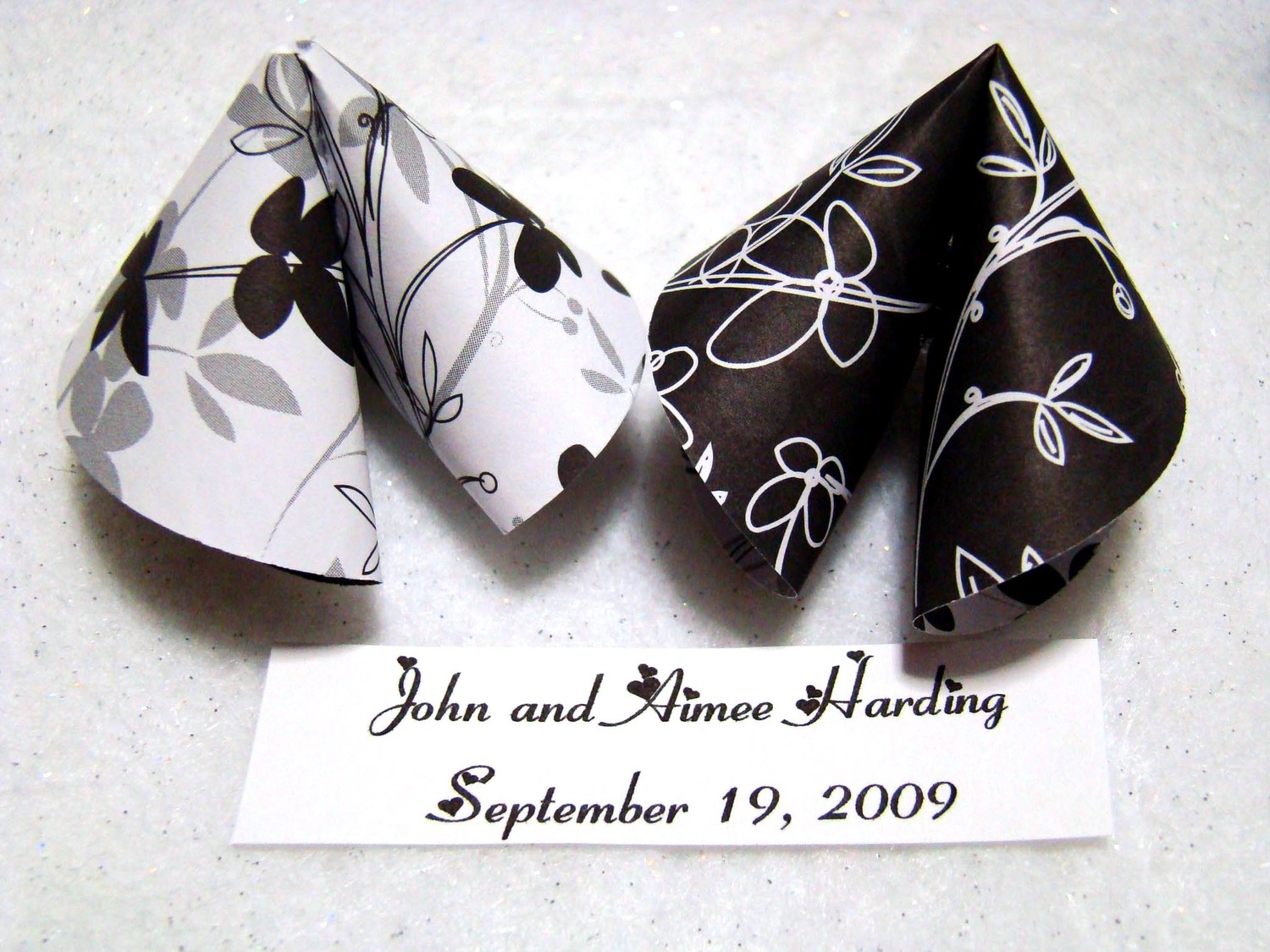 Black and White Origami Fortune Cookies - Set of 50 · Origami ...