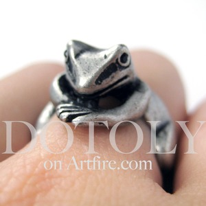 Miniature Frog Wrap Around Ring in Silver - Sizes 4 to 9 Available