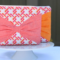 Neon Bow Pouch in Coral