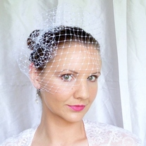 White 12 inch Merry Widow Veil  - Thumbnail 3