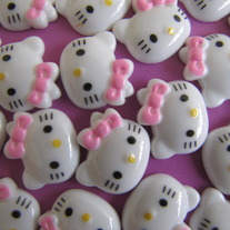 10 Hello Kitty Cabochons