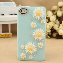 iphone 4G Design #197, New Bling Crystal Sparkle White Daisy Flowers Rhinestones Green iPhone 4/4S Case