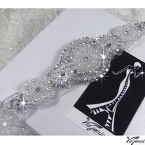 Wedding_garter_rhinestone_aplique_viogemini_medium
