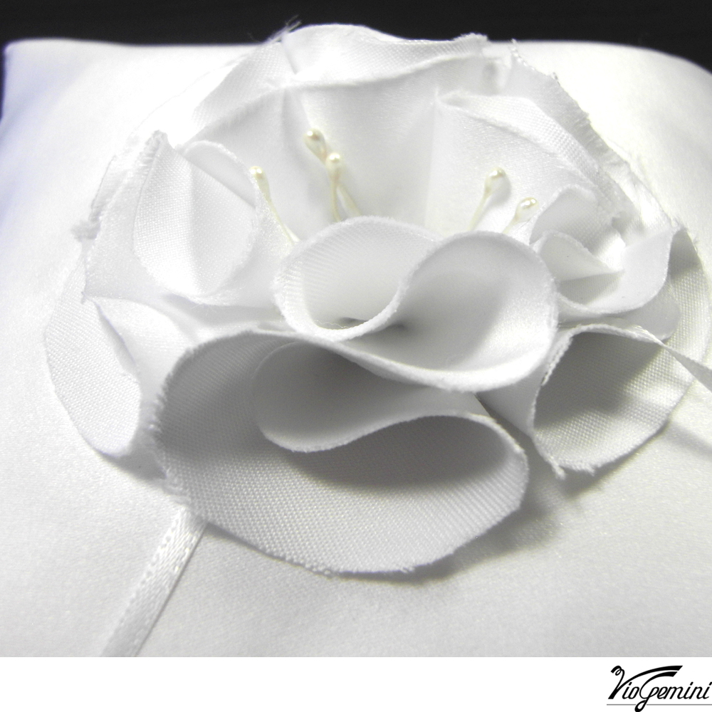 White_20satin_20ring_20pillow_20with_20petal_20flower4_original