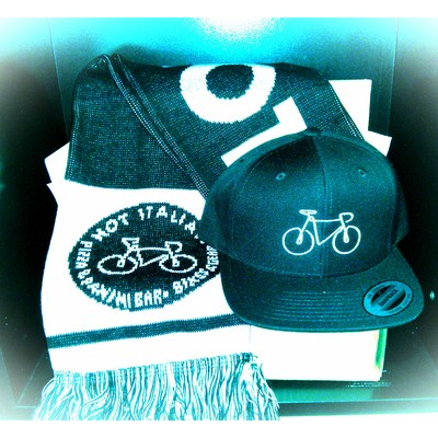 Hot italian snapback or beanie and scarf gift set
