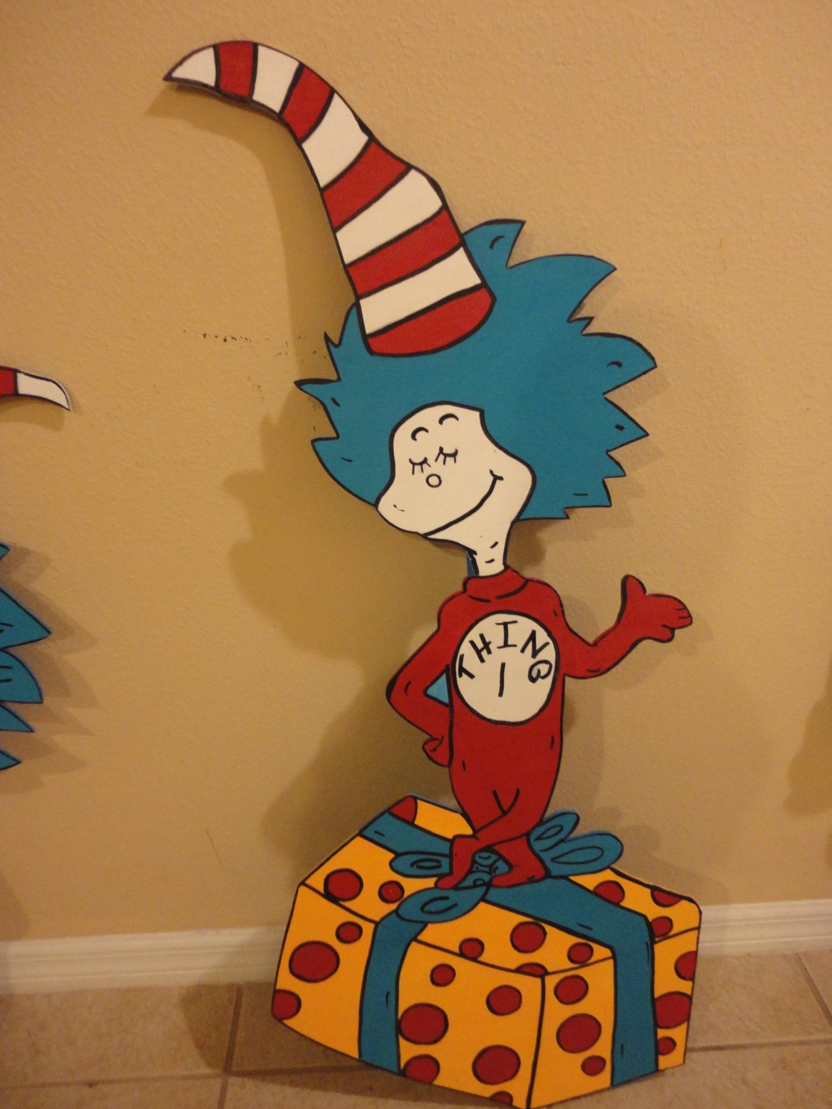 Dr Seuss Cat In The Hat Birthday Decoration Set Of 2 Photo