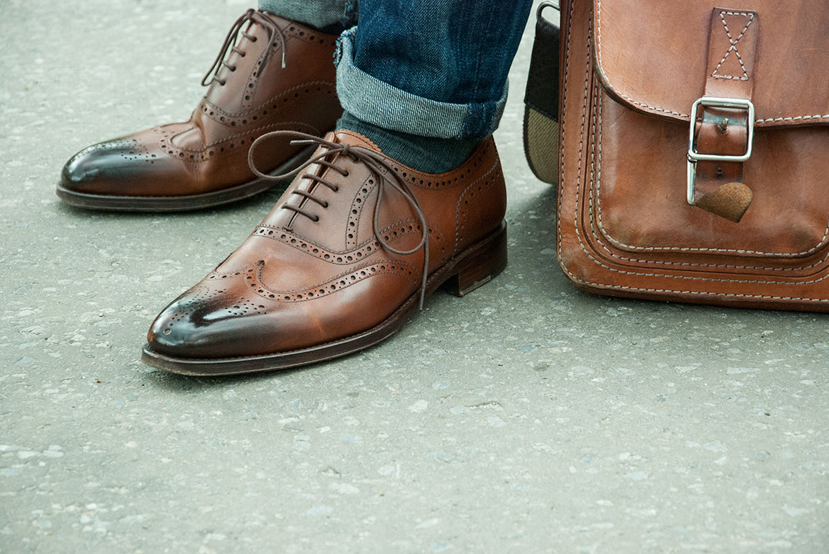 8558b292f0e Handmade men brown two shades brogue leather shoes