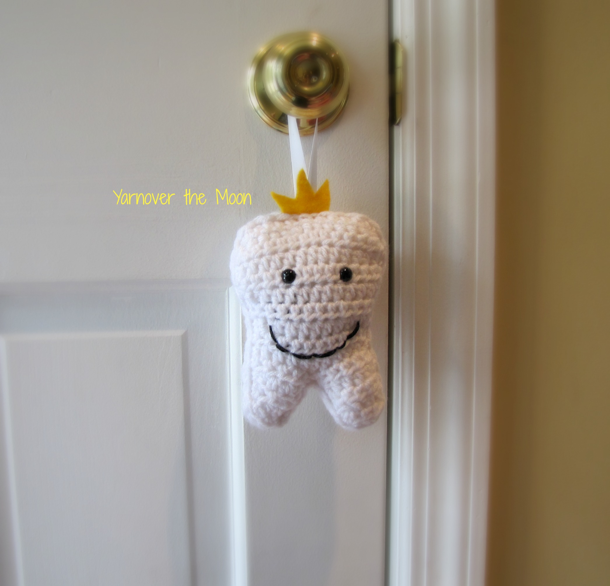 Crochet a Tooth Fairy Pillow – Keep a Tooth Safe Until She Arrives ... | 2007x2091