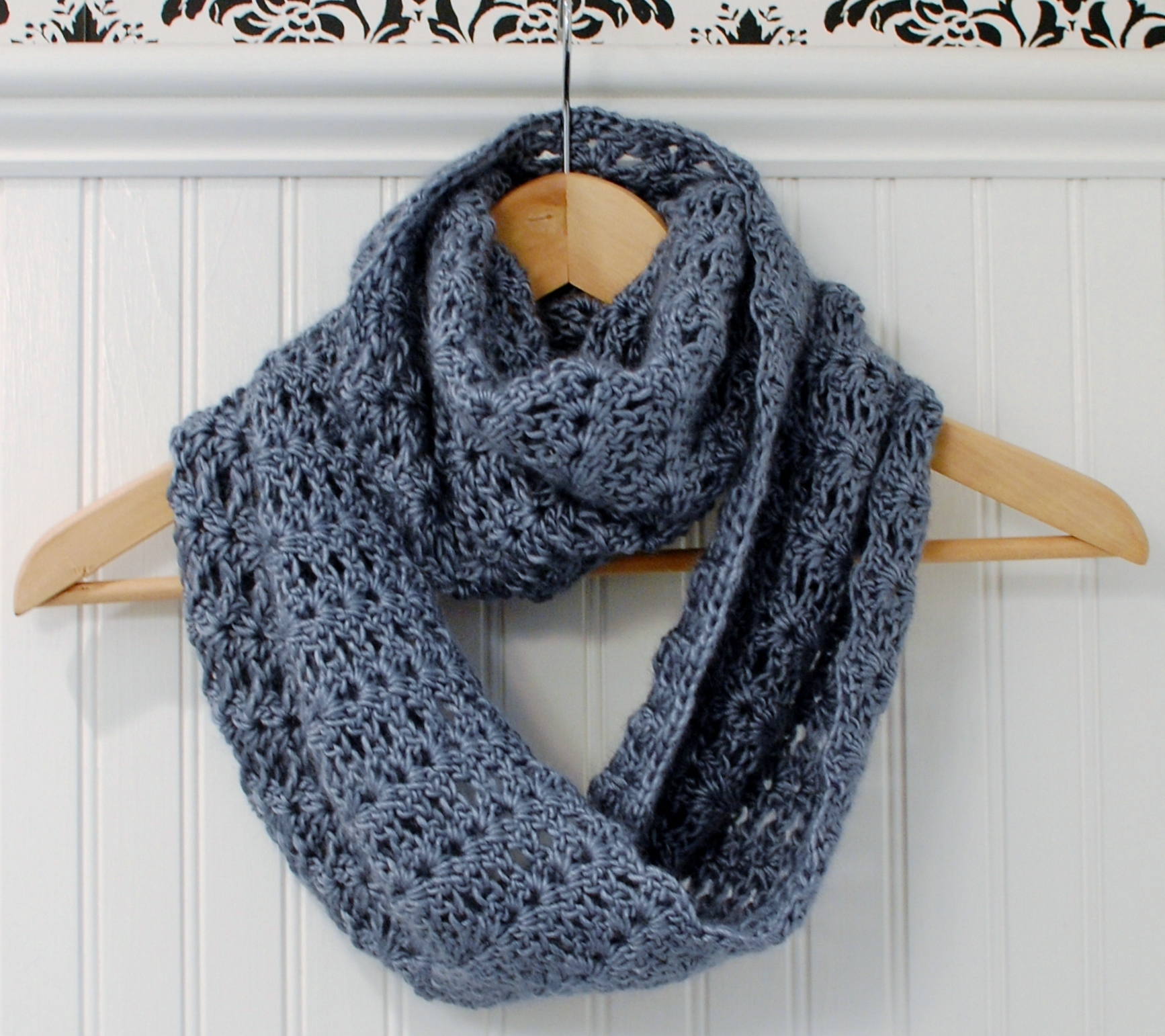 Crochet Pattern Mobius Infinity Scarf Wrap Includes