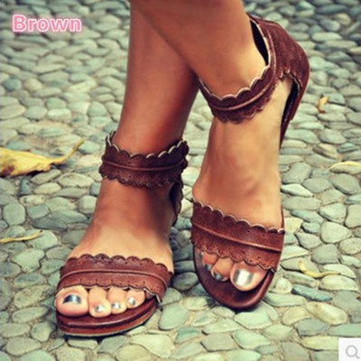 Ladies flat leather breathable sandals