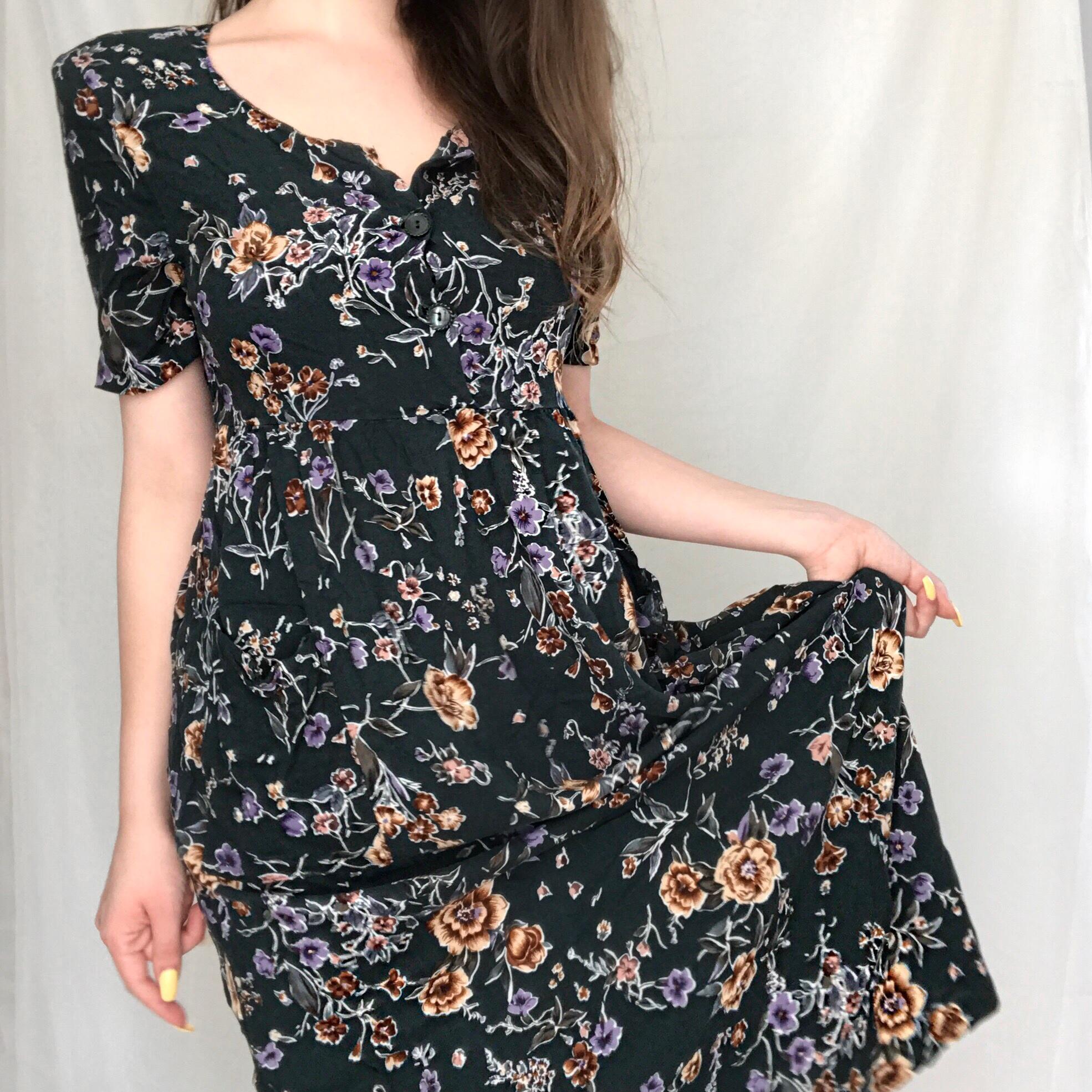 0ae22a6bae5 Pocket Full of Posies Mid Length Vintage 90 s Sundress - Thumbnail ...